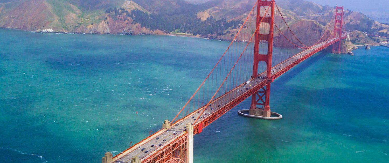 Golden Bridge par Edgar Chaparro