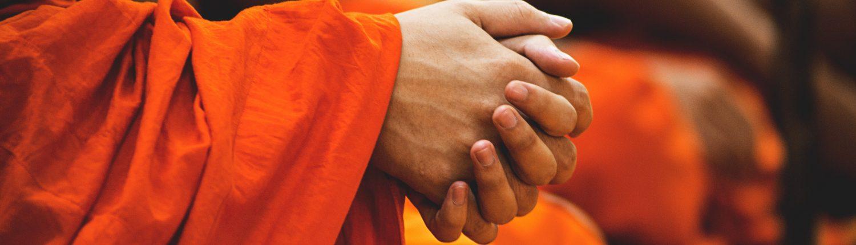 Mains de moines à Lamphun par Peter Hershey